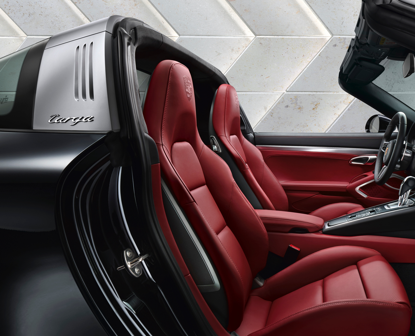 Red interior for 911 Targa 4S